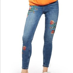 Topshop Rose Embroidered Jamie Jeans